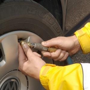 Change A Flat Tyre